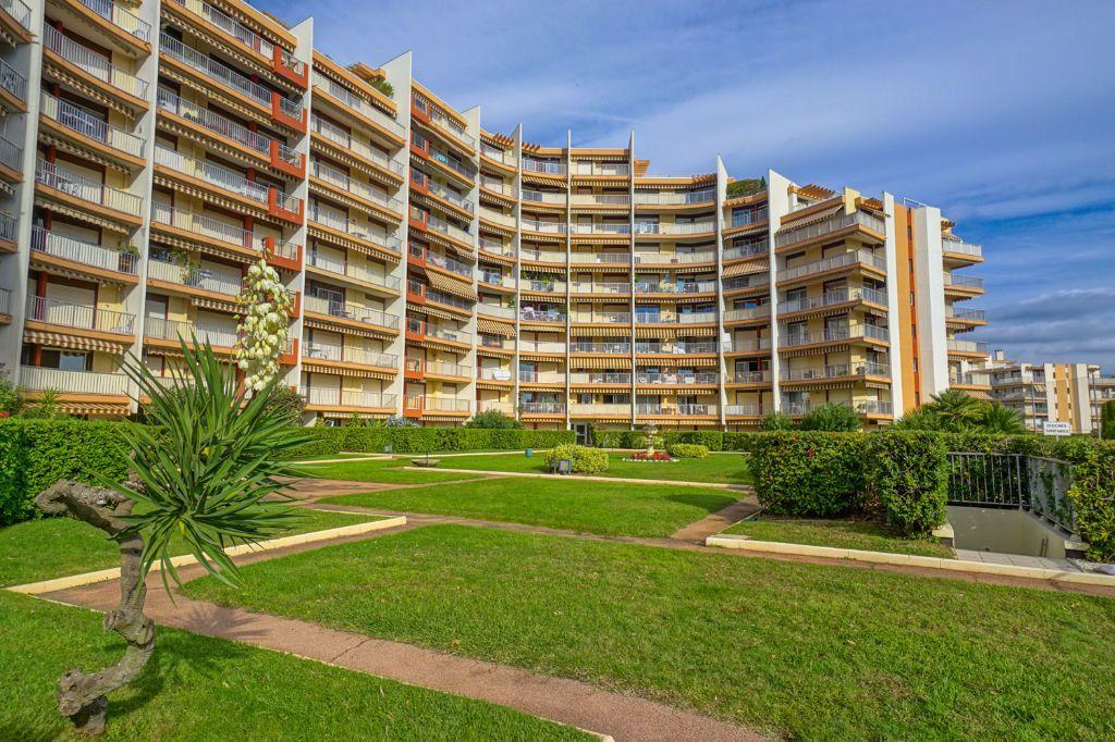 Appartement à louer 2 47.45m2 à Mandelieu-la-Napoule vignette-9