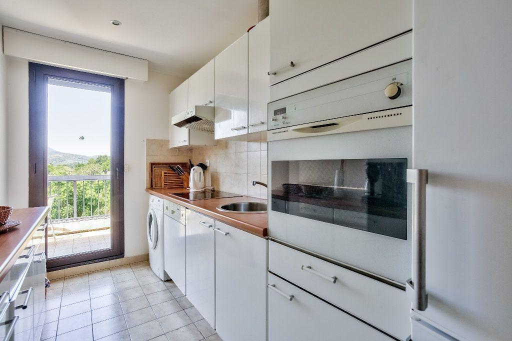 Appartement à vendre 3 61.1m2 à Mandelieu-la-Napoule vignette-10