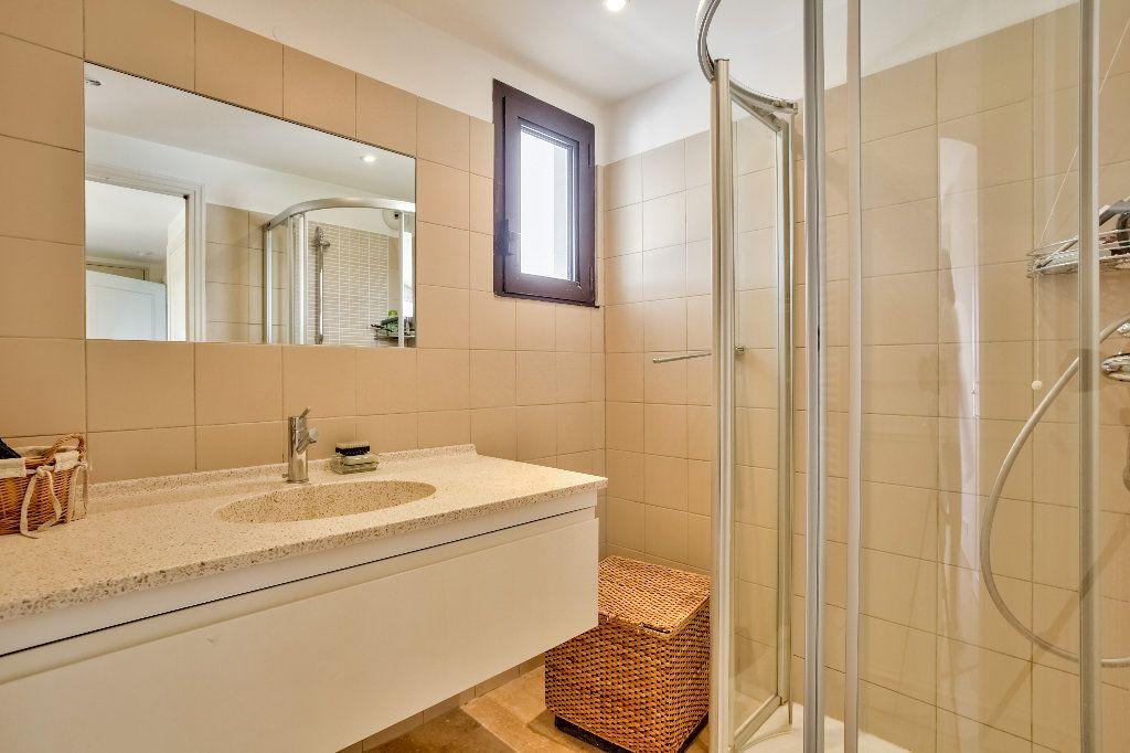 Appartement à vendre 3 61.1m2 à Mandelieu-la-Napoule vignette-13