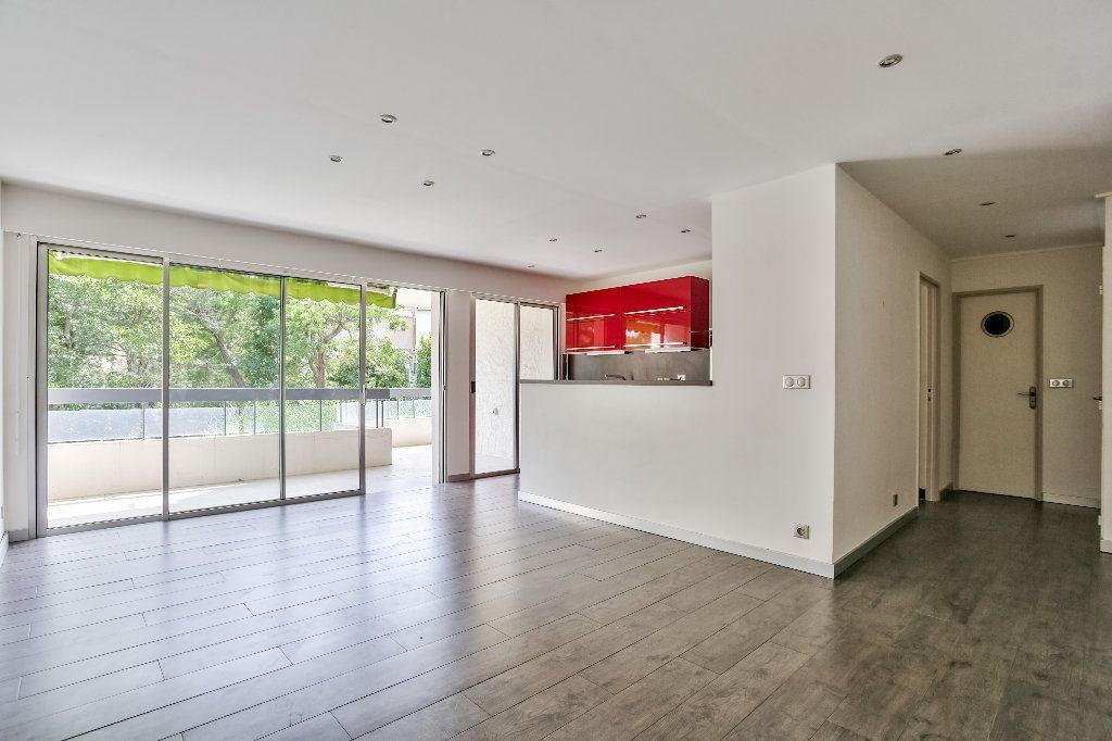 Appartement à vendre 2 55.89m2 à Mandelieu-la-Napoule vignette-2