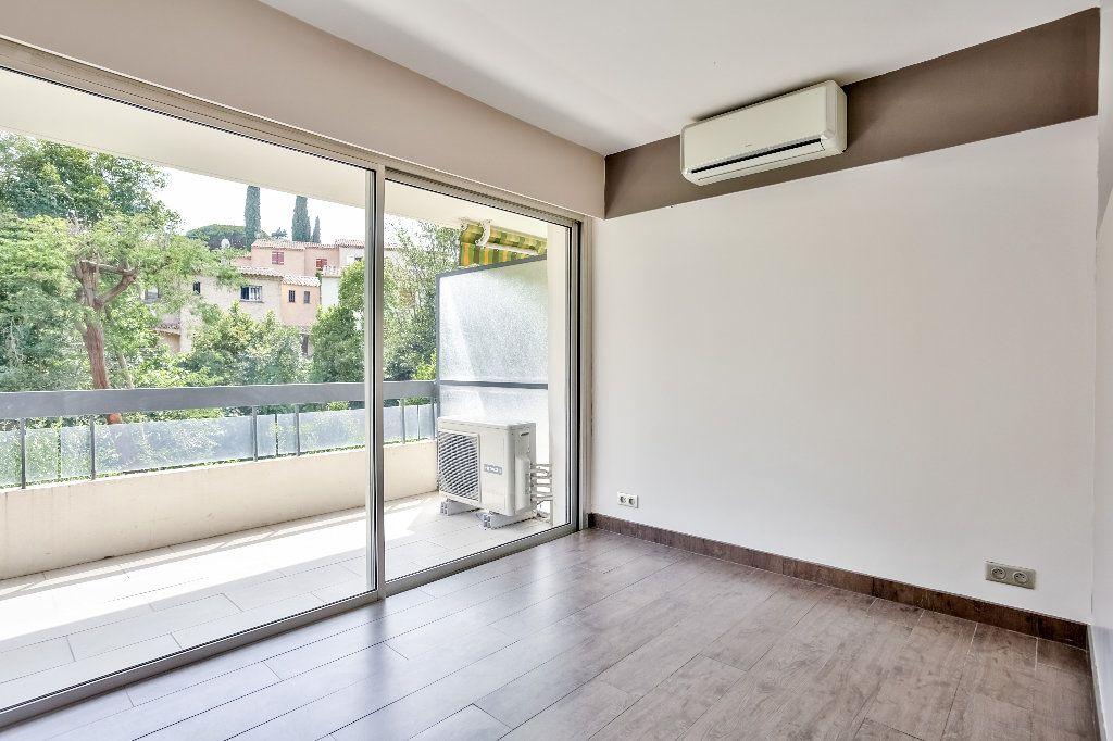 Appartement à vendre 2 55.89m2 à Mandelieu-la-Napoule vignette-11