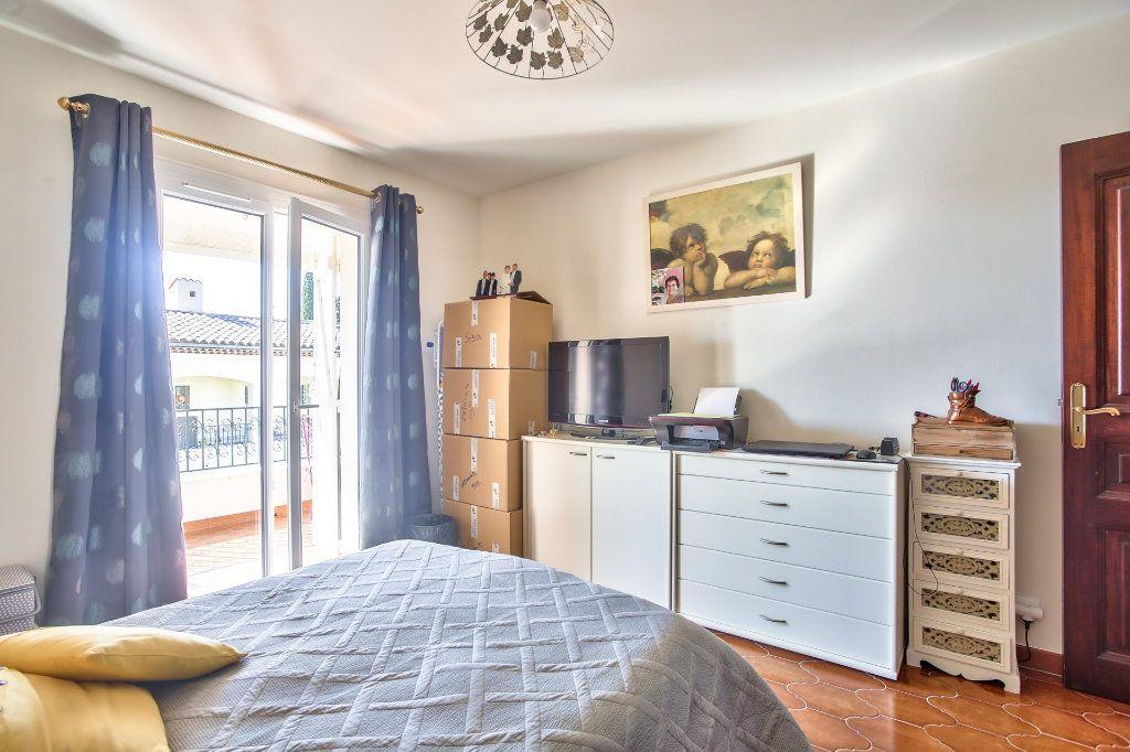 Appartement à louer 2 57.68m2 à Mandelieu-la-Napoule vignette-13