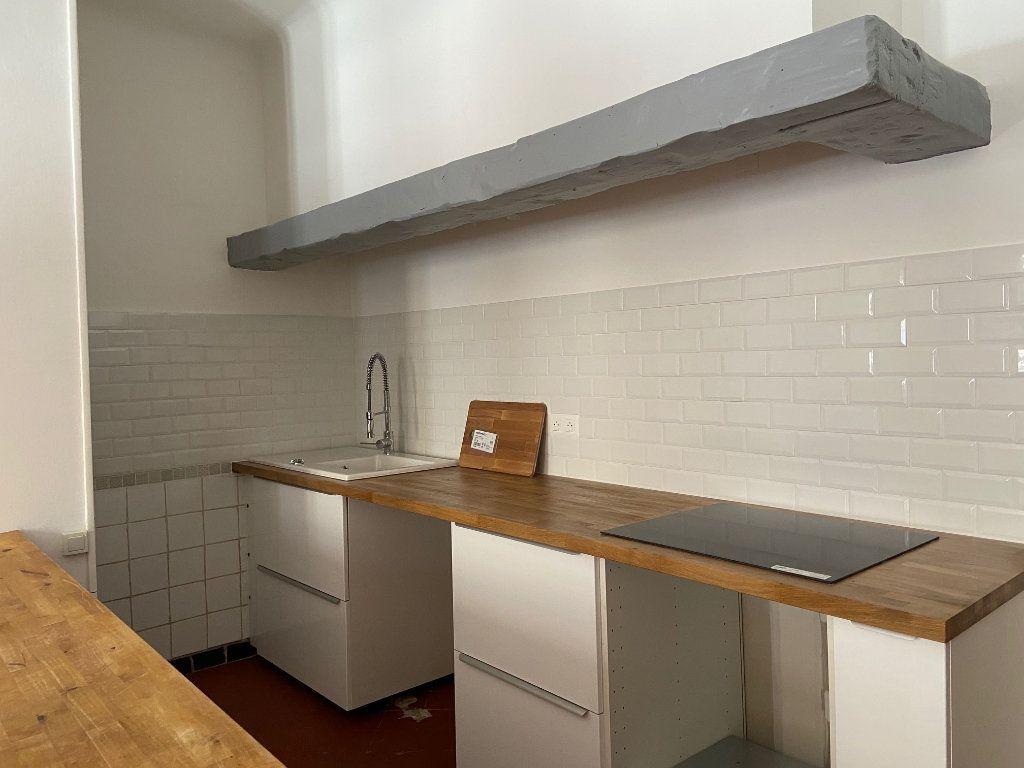 Appartement à louer 4 98.2m2 à Aix-en-Provence vignette-2