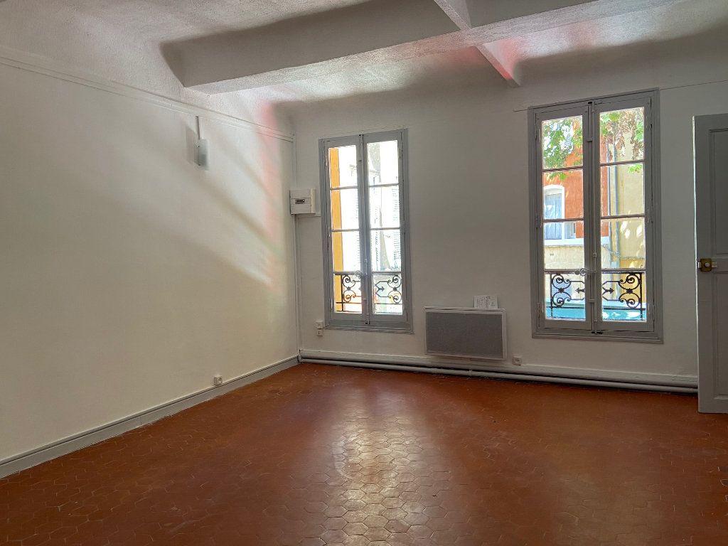 Appartement à louer 4 98.2m2 à Aix-en-Provence vignette-4