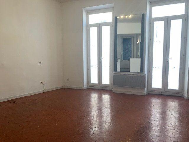 Appartement à louer 2 48.79m2 à Trets vignette-1