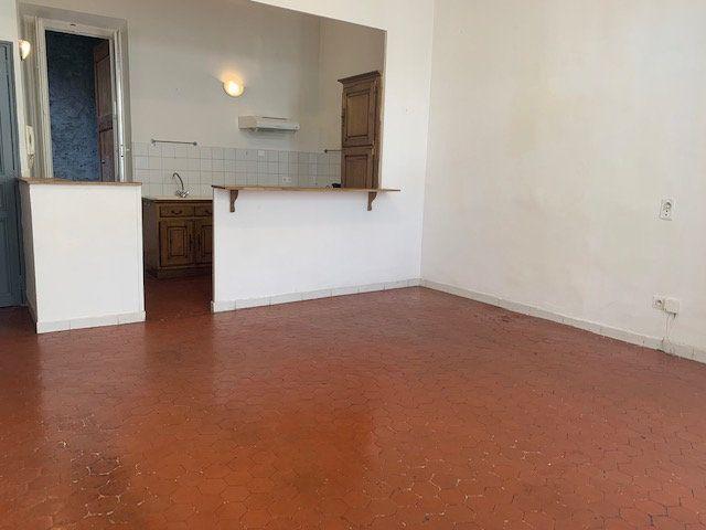 Appartement à louer 2 48.79m2 à Trets vignette-2