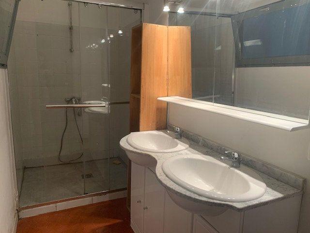 Appartement à louer 2 48.79m2 à Trets vignette-5