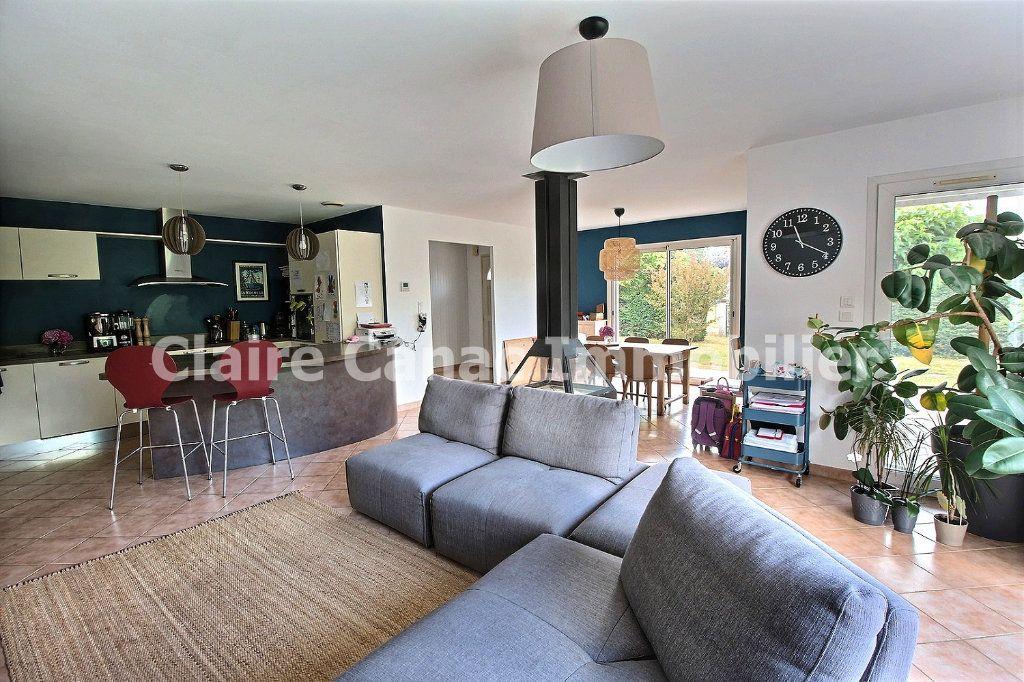 Maison à louer 7 122m2 à Viviers-lès-Montagnes vignette-1