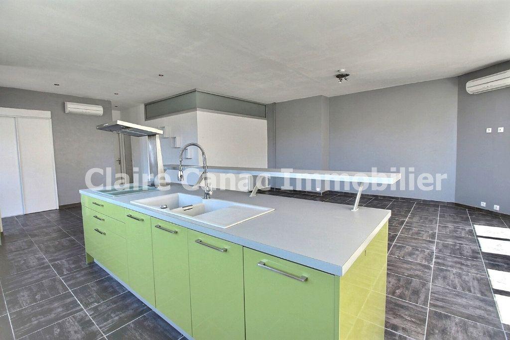 Appartement à louer 3 85m2 à Castres vignette-1