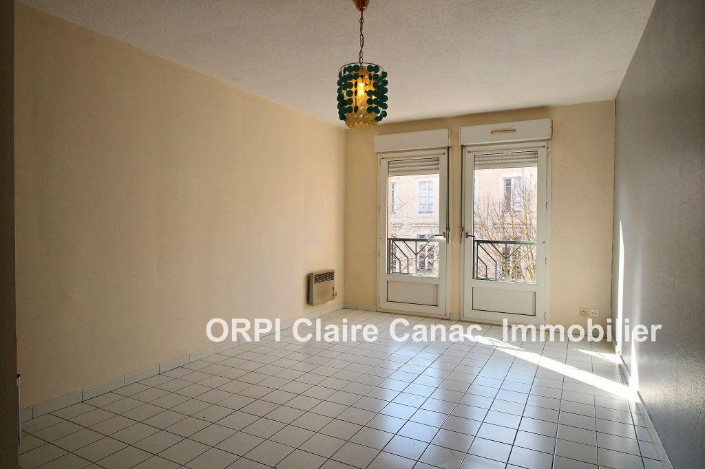 Appartement à louer 2 36.6m2 à Lavaur vignette-1