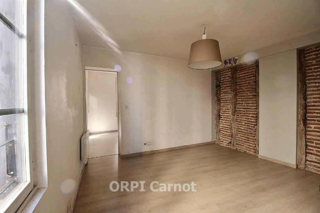 Appartement à louer 2 30.12m2 à Castres vignette-2