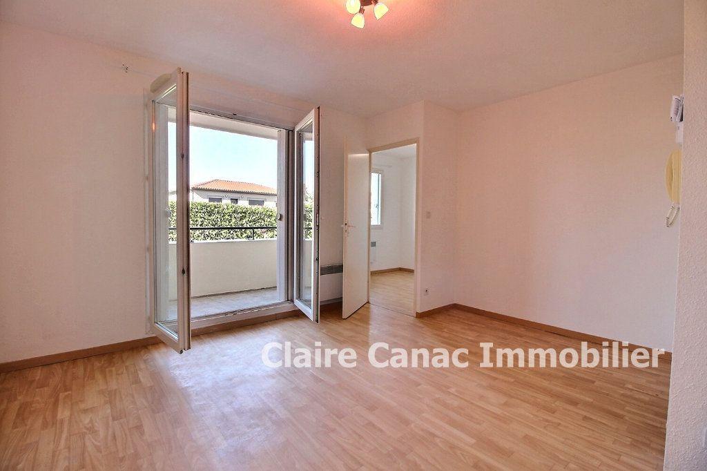 Appartement à louer 2 34m2 à Lavaur vignette-1