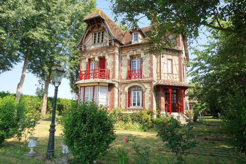 Maison à vendre 7 250m2 à Gournay-en-Bray vignette-1