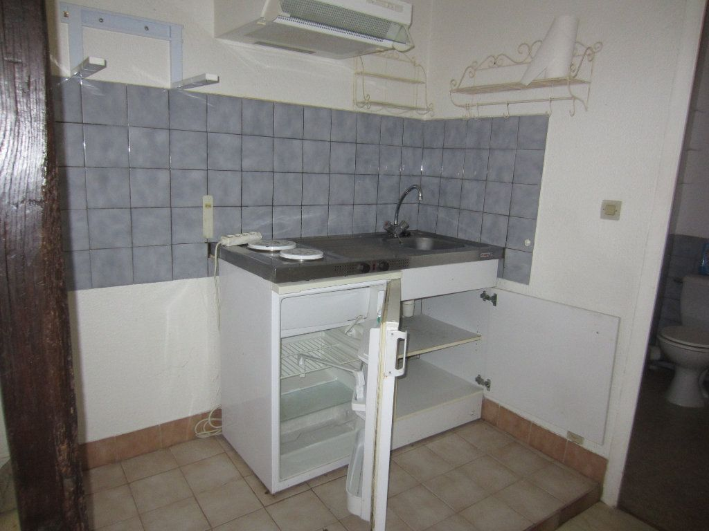 Appartement à louer 2 29m2 à Romorantin-Lanthenay vignette-4