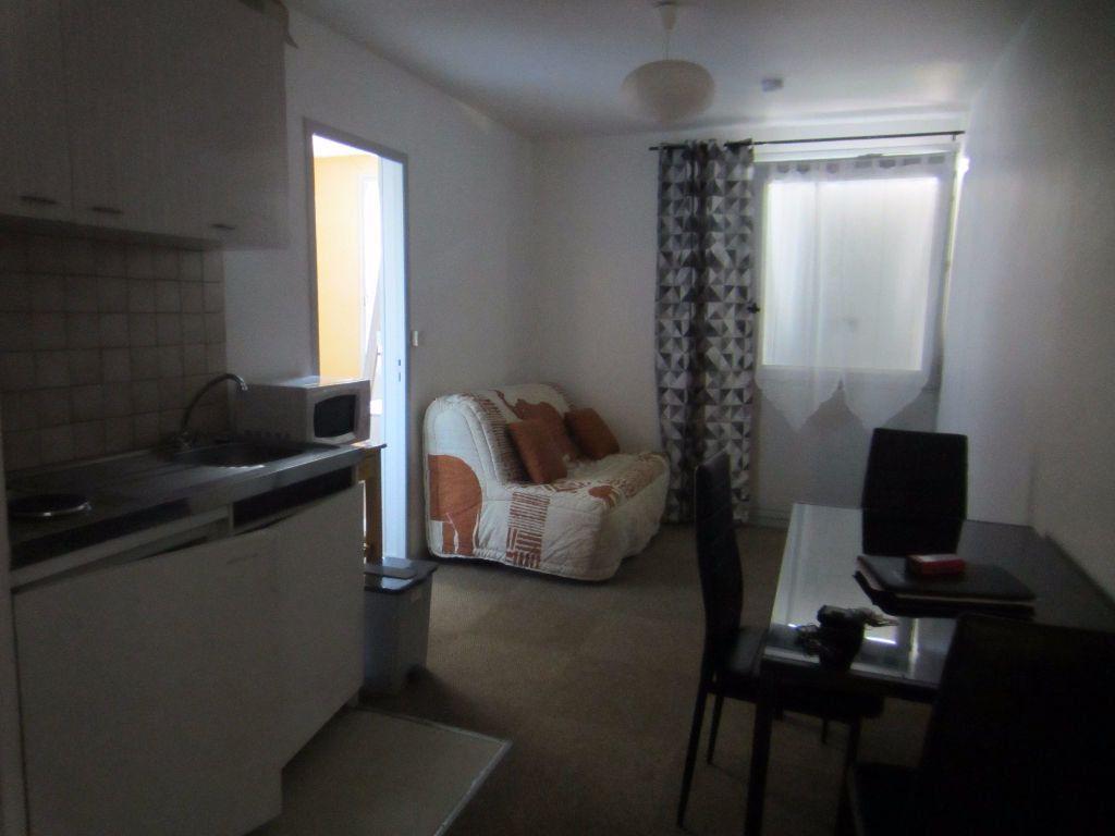 Appartement à louer 2 24.4m2 à Romorantin-Lanthenay vignette-1