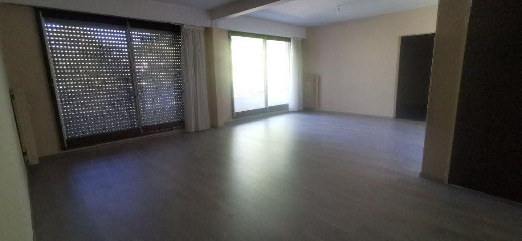 Appartement à louer 4 92m2 à Romorantin-Lanthenay vignette-2