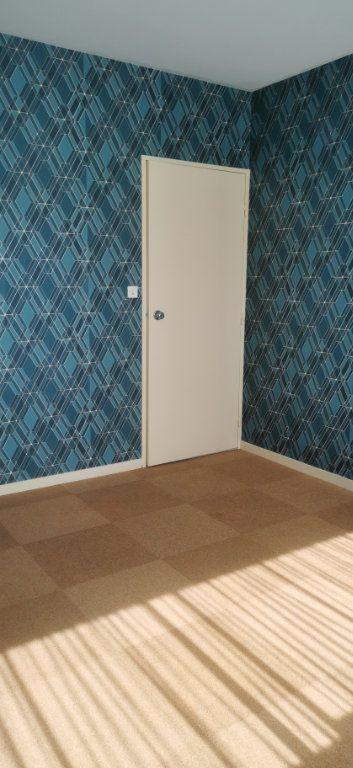 Appartement à louer 4 92m2 à Romorantin-Lanthenay vignette-4