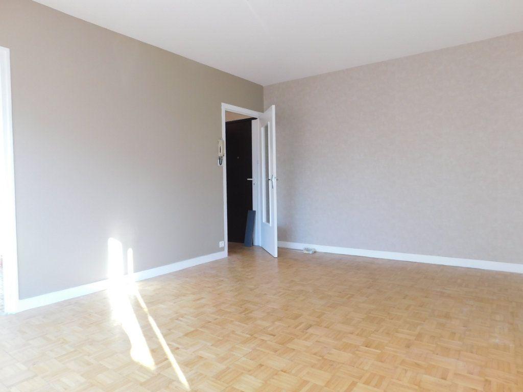 Appartement à louer 2 40m2 à Limoges vignette-3