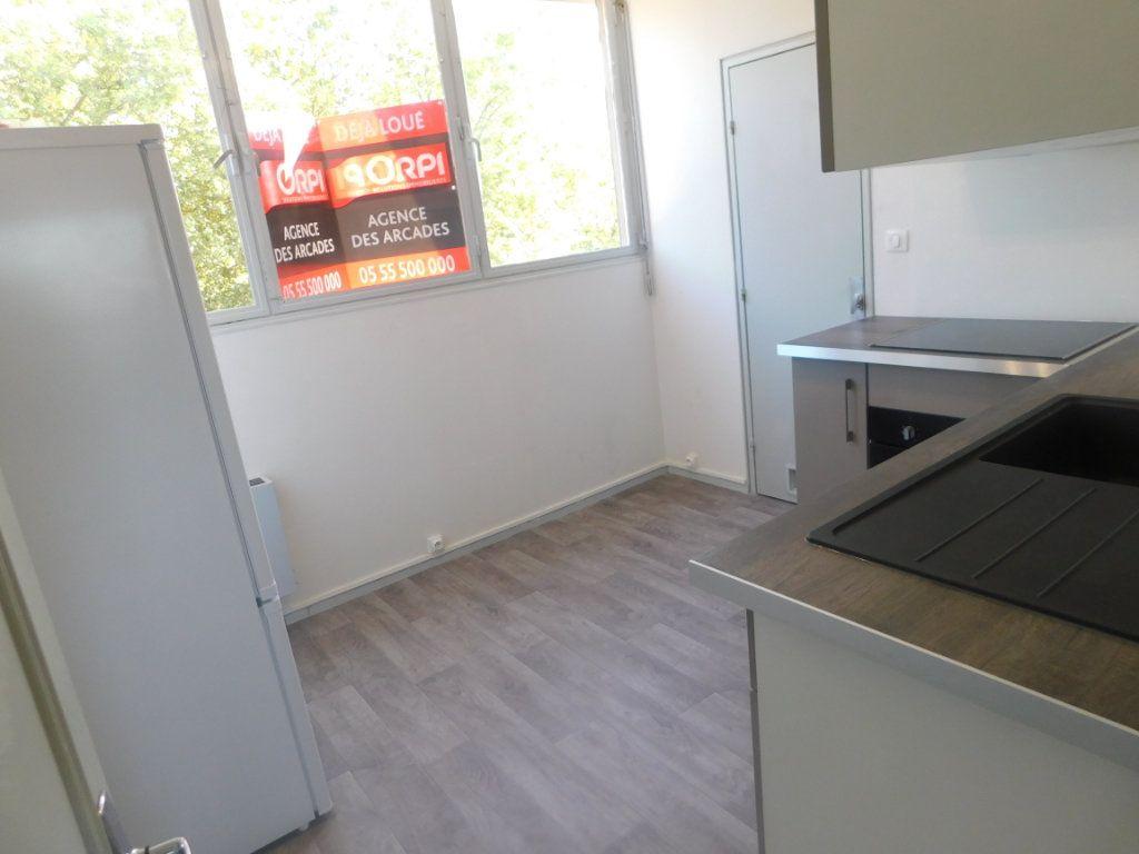 Appartement à louer 2 65m2 à Limoges vignette-3