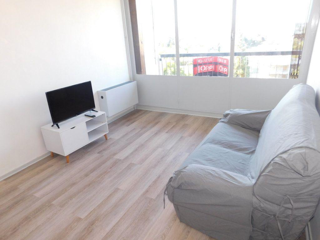 Appartement à louer 2 65m2 à Limoges vignette-4