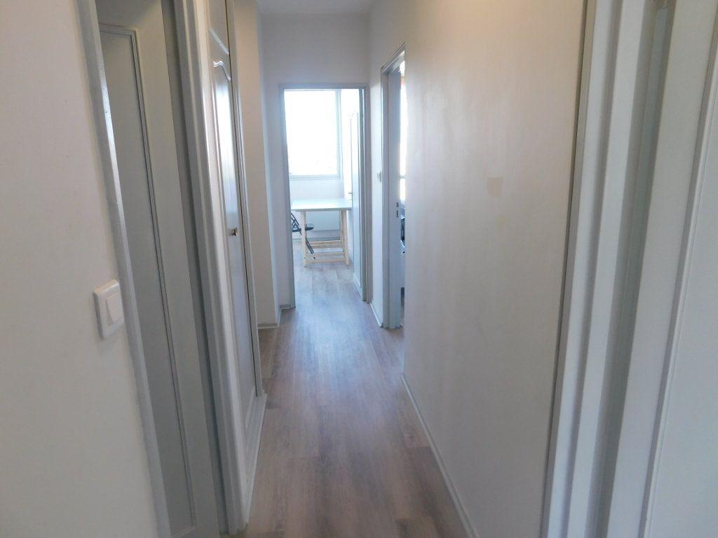 Appartement à louer 2 65m2 à Limoges vignette-5