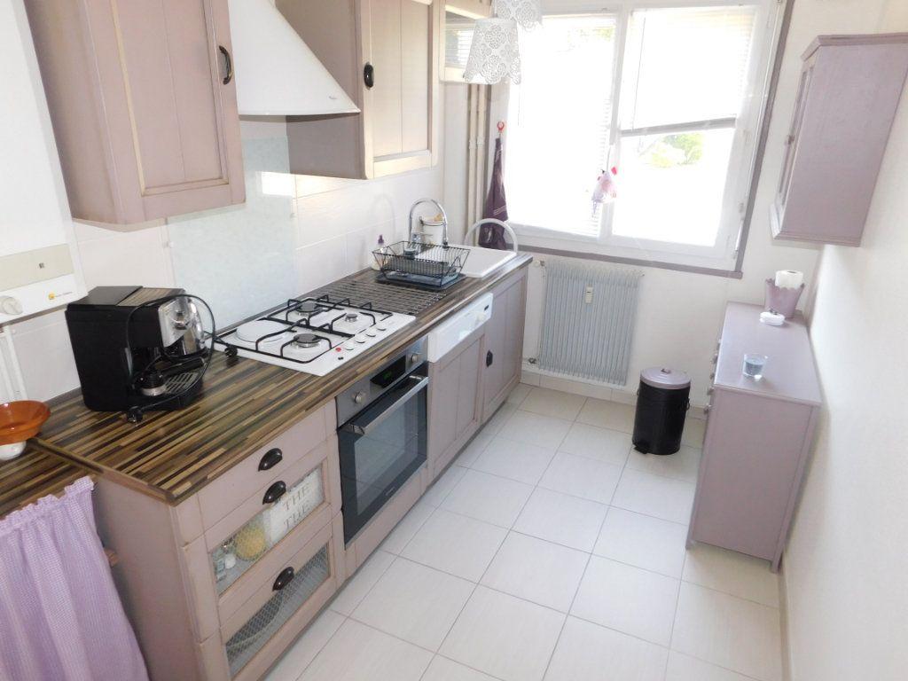 Appartement à louer 3 52.4m2 à Limoges vignette-4