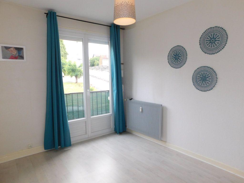 Appartement à louer 3 52.4m2 à Limoges vignette-7