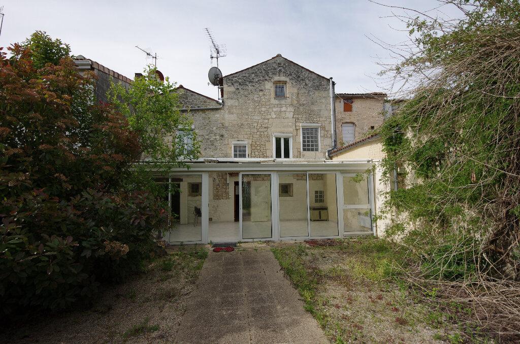 Maison à vendre 5 180.9m2 à Pons vignette-1