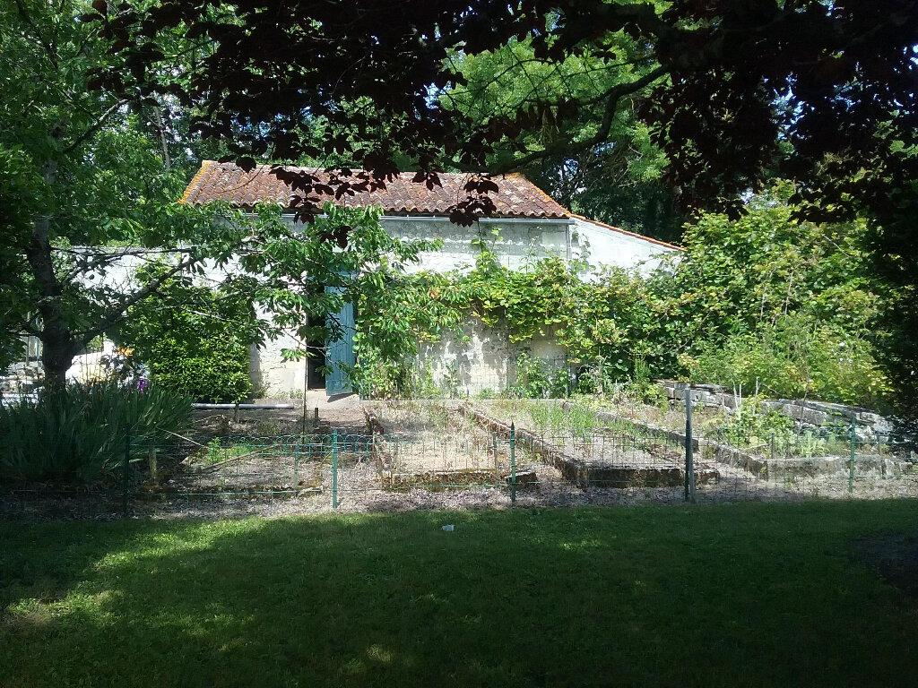 Maison à vendre 5 180.9m2 à Pons vignette-10
