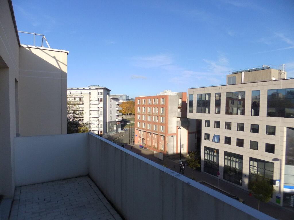 Appartement à louer 3 63.13m2 à Montigny-le-Bretonneux vignette-1