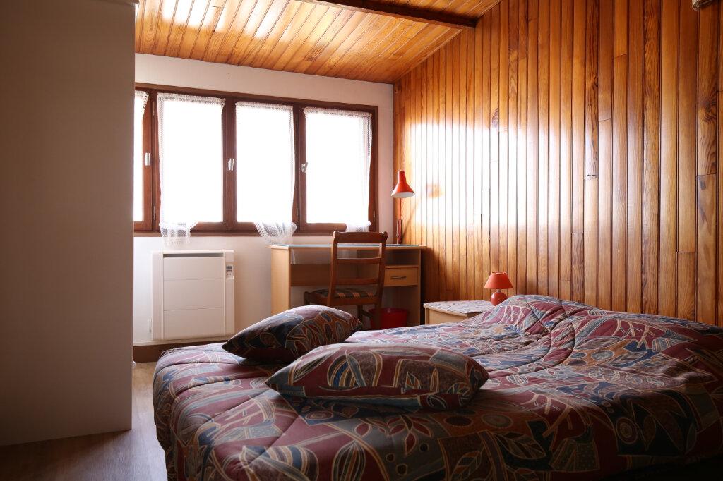 Appartement à louer 3 27m2 à Rueil-Malmaison vignette-1