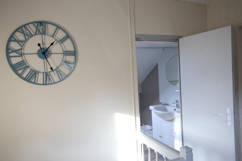 Appartement à louer 3 27m2 à Rueil-Malmaison vignette-2