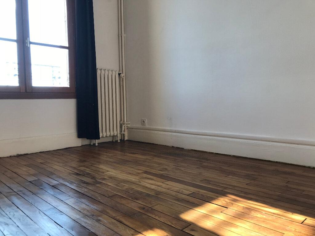 Appartement à louer 1 24.09m2 à Nanterre vignette-2