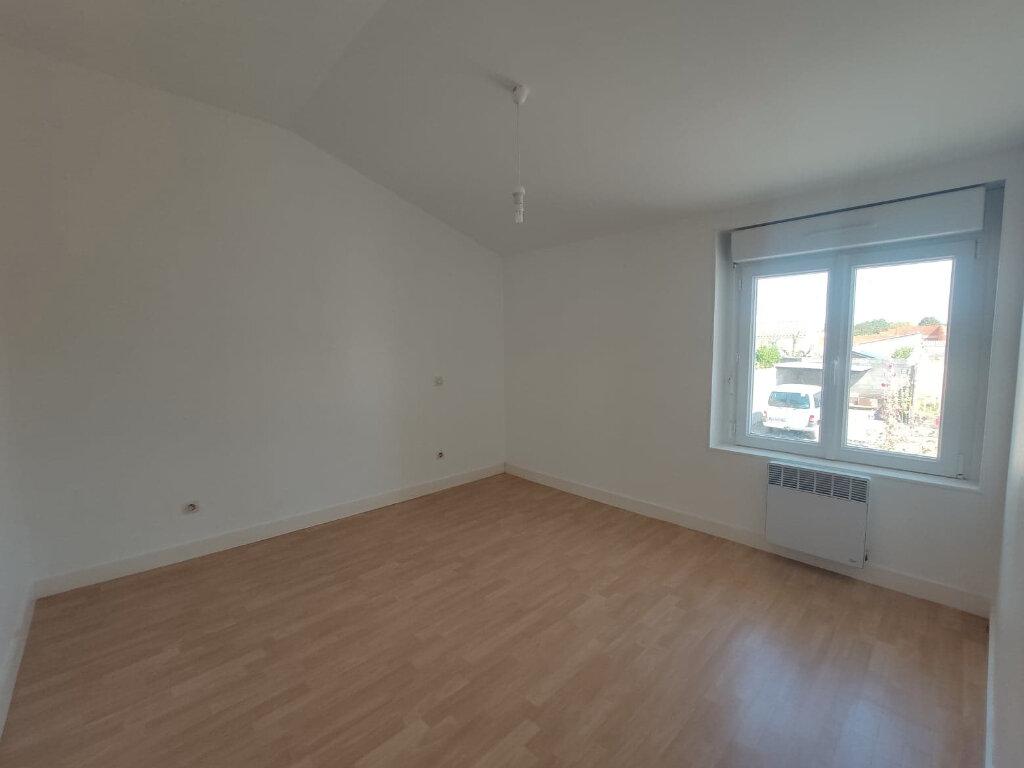 Maison à louer 5 86.61m2 à Aigrefeuille-d'Aunis vignette-4