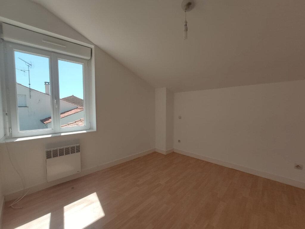 Maison à louer 5 86.61m2 à Aigrefeuille-d'Aunis vignette-5