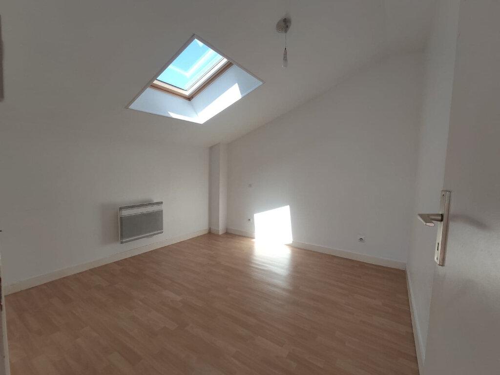 Maison à louer 5 86.61m2 à Aigrefeuille-d'Aunis vignette-6