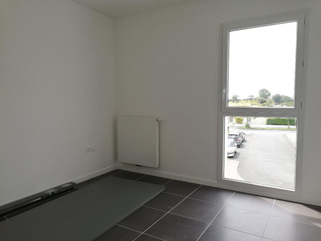 Appartement à louer 3 69.94m2 à Périgny vignette-7