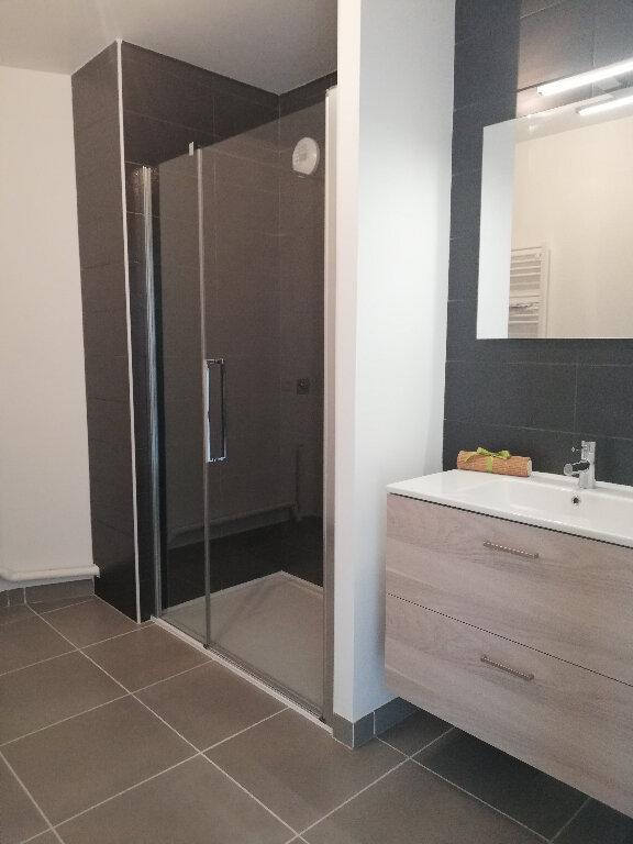 Appartement à louer 3 69.94m2 à Périgny vignette-8