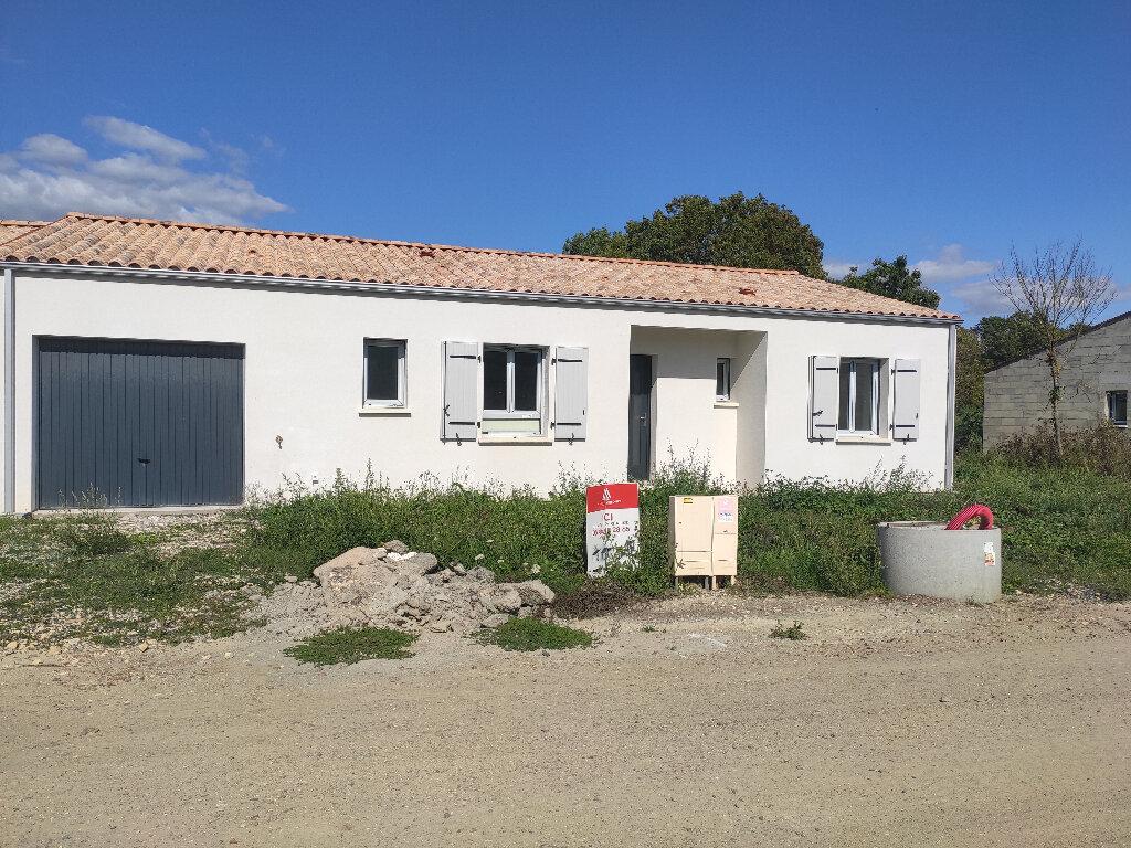 Maison à louer 4 110m2 à Breuil-Magné vignette-1