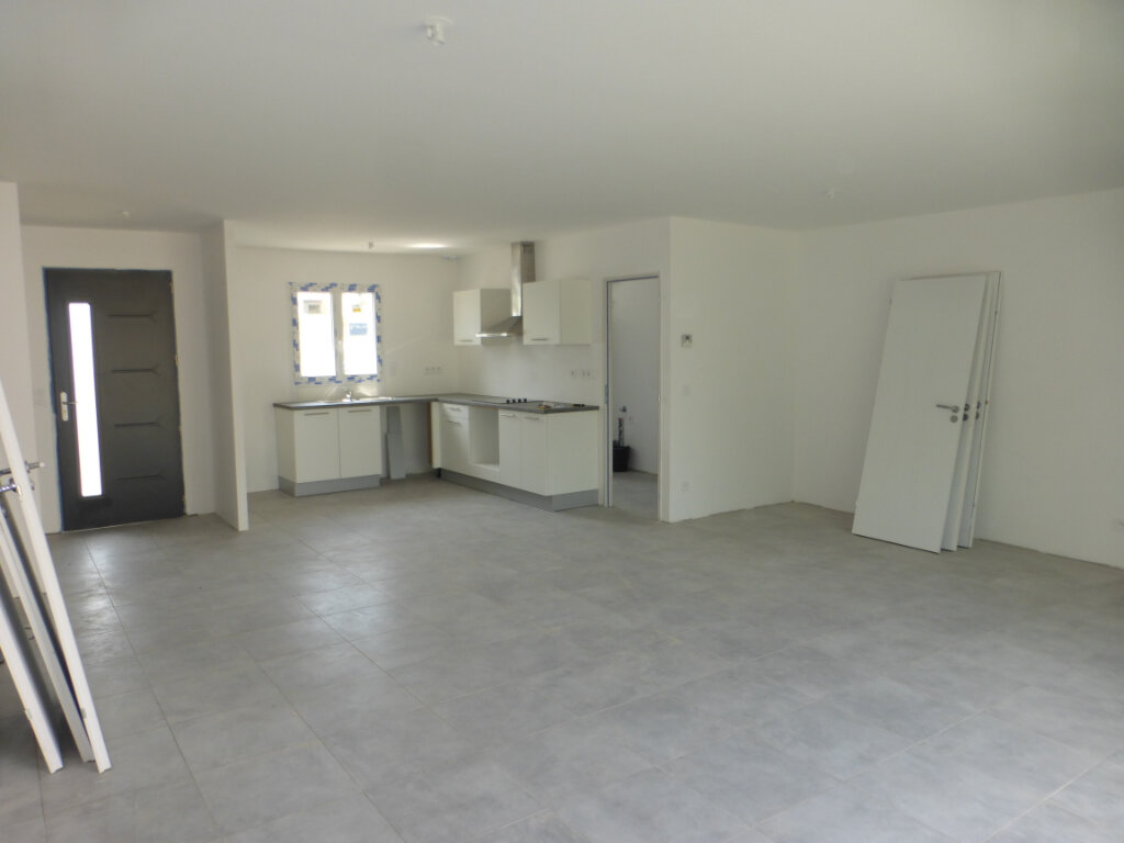 Maison à louer 4 110m2 à Breuil-Magné vignette-3