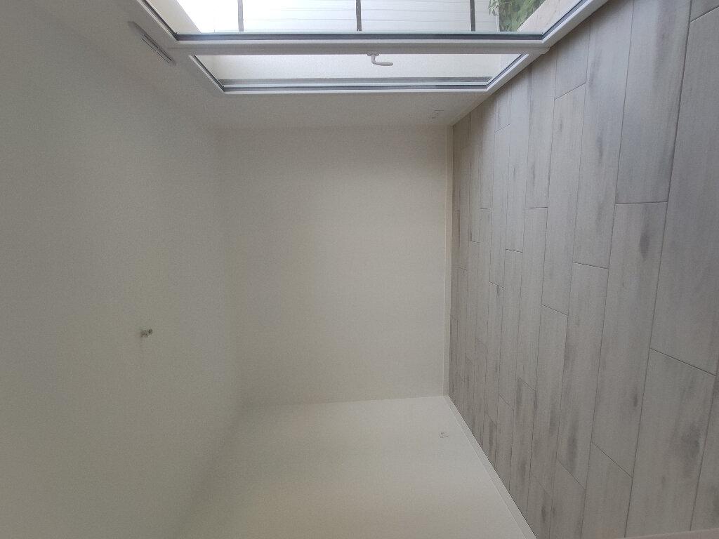 Maison à louer 4 110m2 à Breuil-Magné vignette-5