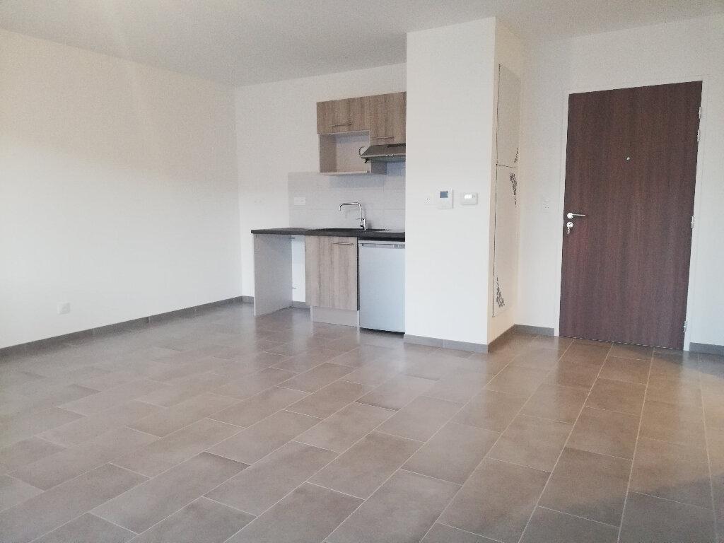 Appartement à louer 2 49.1m2 à La Rochelle vignette-1