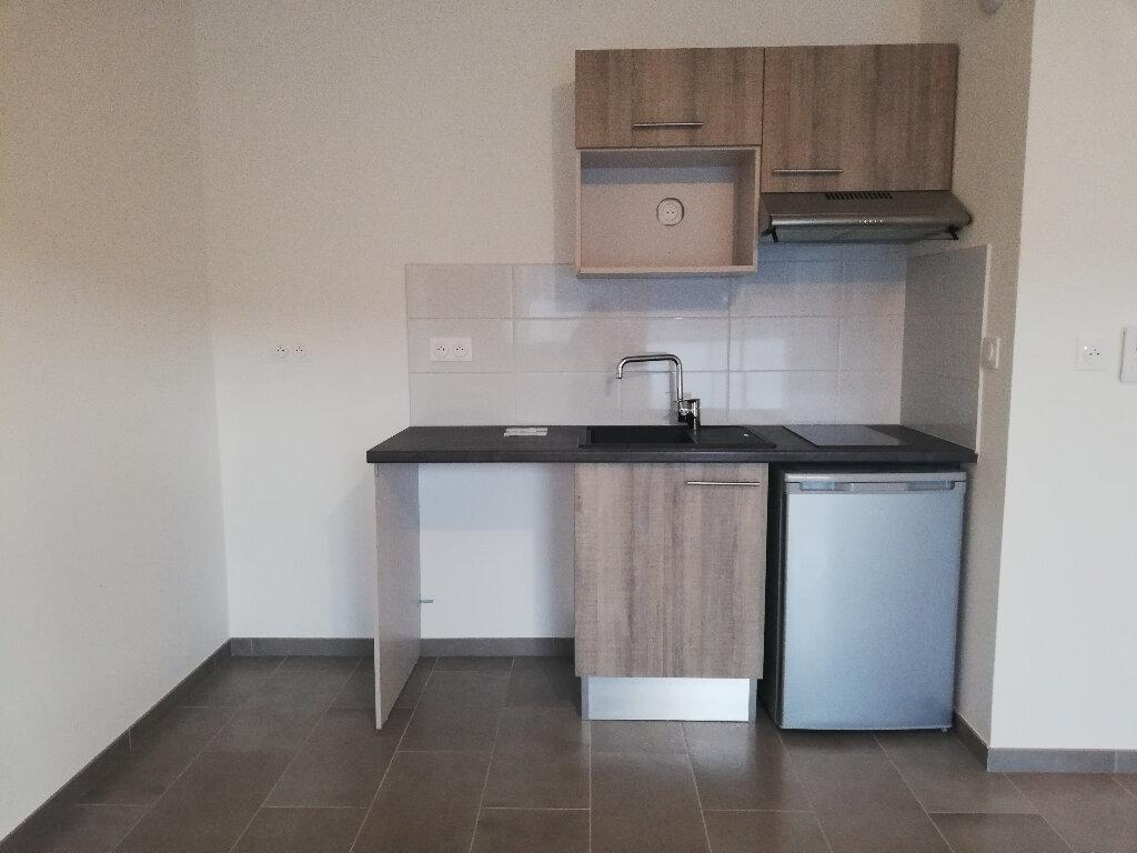 Appartement à louer 2 49.1m2 à La Rochelle vignette-2