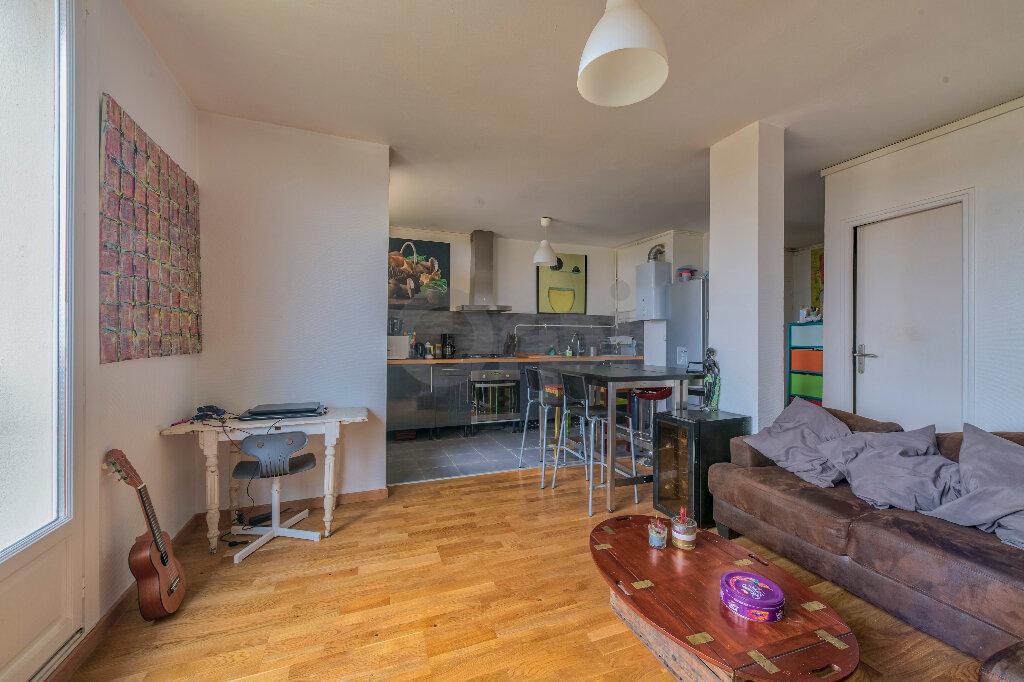 Appartement à louer 4 67.73m2 à Noisy-le-Grand vignette-4