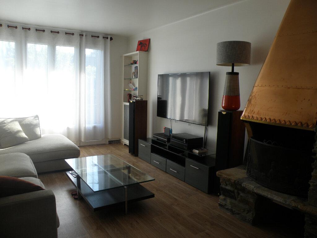 Maison à louer 5 110.06m2 à Gournay-sur-Marne vignette-1