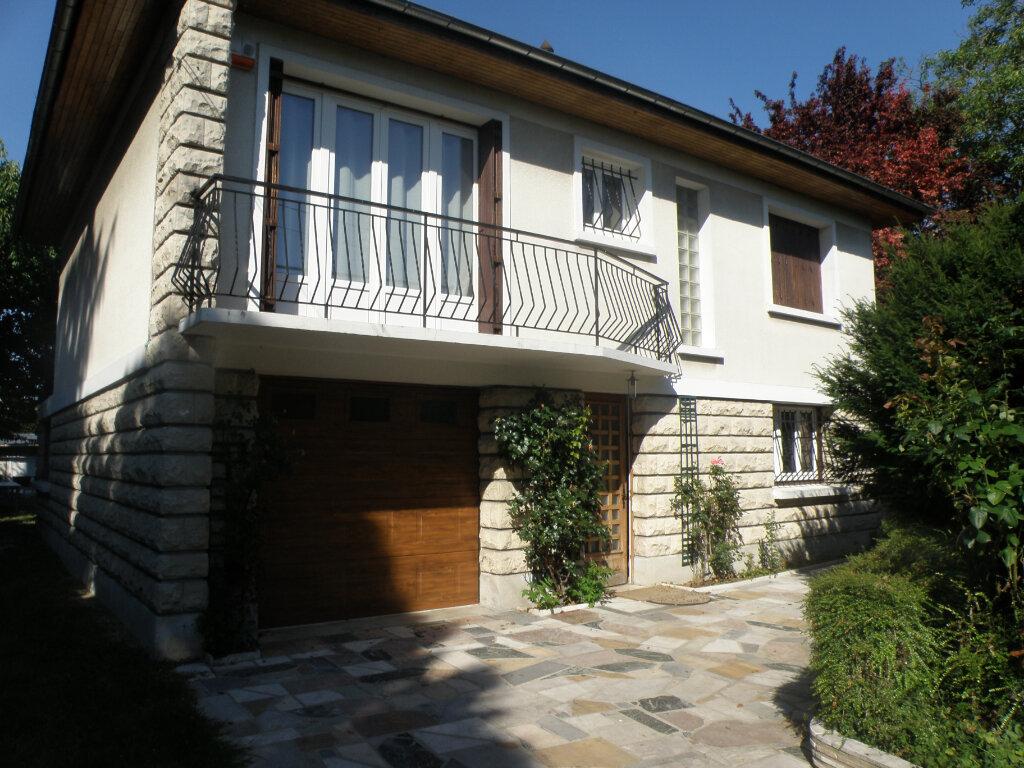 Maison à louer 5 110.06m2 à Gournay-sur-Marne vignette-2