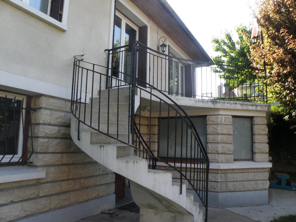 Maison à louer 5 110.06m2 à Gournay-sur-Marne vignette-5