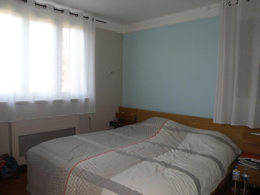 Maison à louer 5 110.06m2 à Gournay-sur-Marne vignette-7