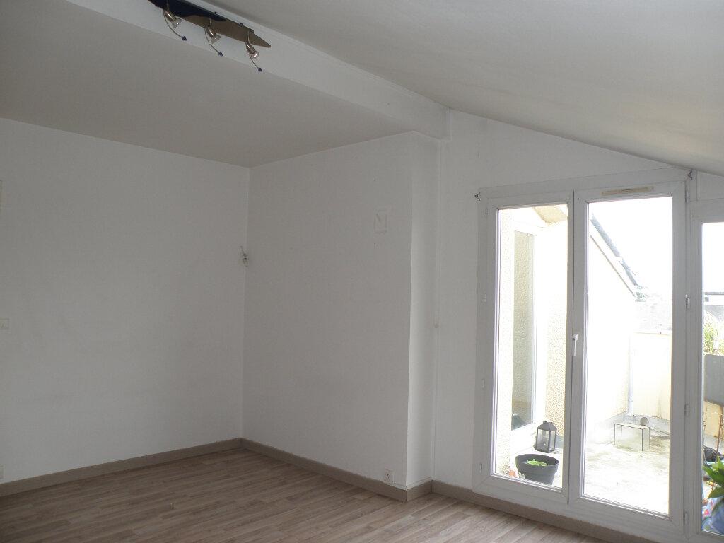Appartement à louer 2 45.66m2 à Noisiel vignette-3