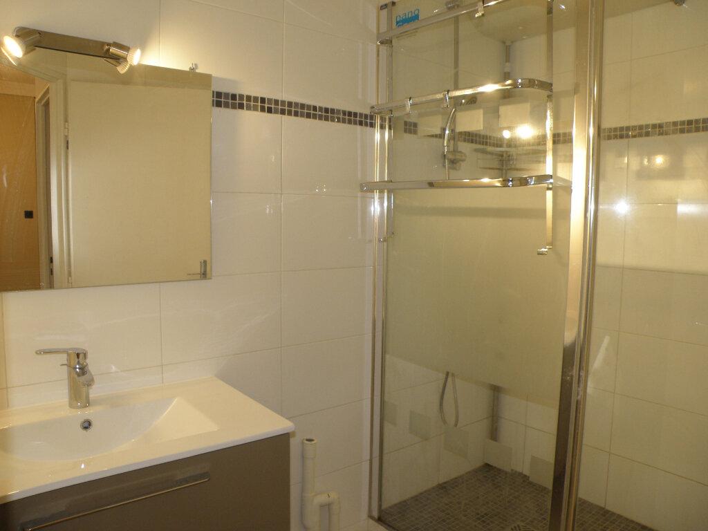 Appartement à louer 2 45.66m2 à Noisiel vignette-6